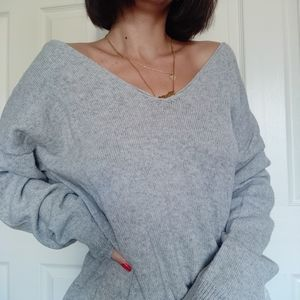 GREY OVERSIZED KNIT SWEATER